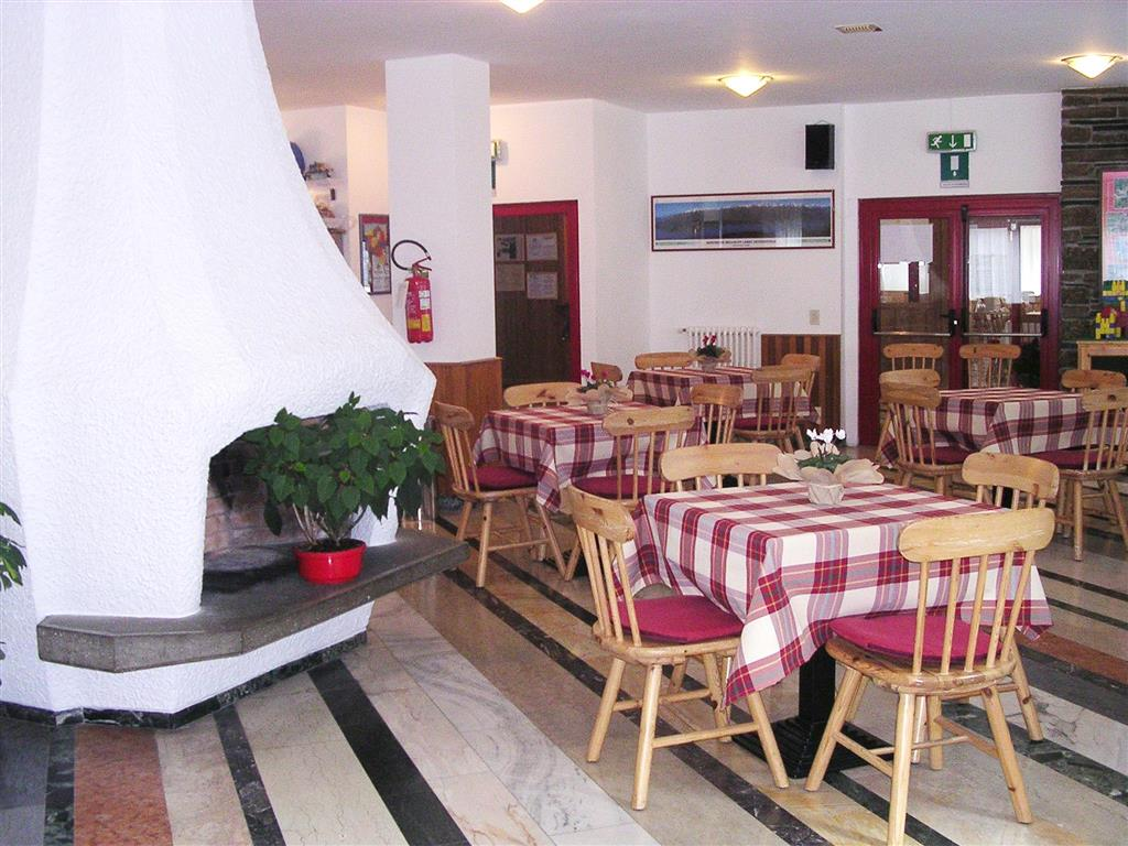 Hotel Casa Soggiorno AEM Bormio - Bormio - Lombardei ...